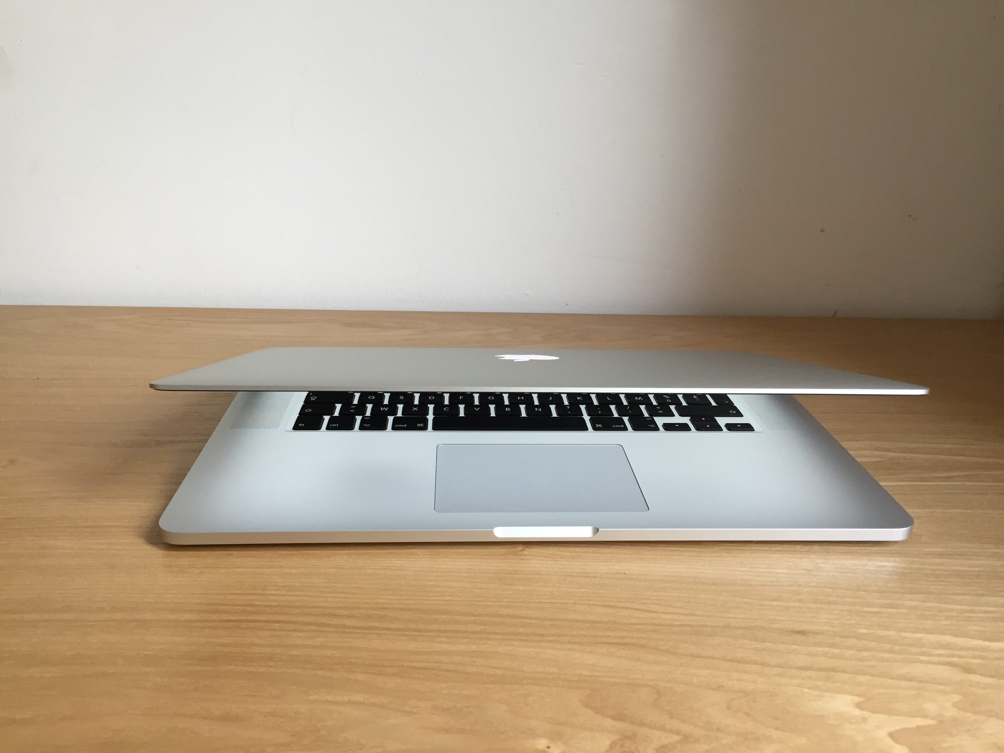 Difference macbook pro macbook pro retina00016